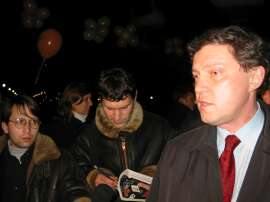 http://www.yabloko.ru/Gallery/Events/2002/0426oyat/0204263d.jpg