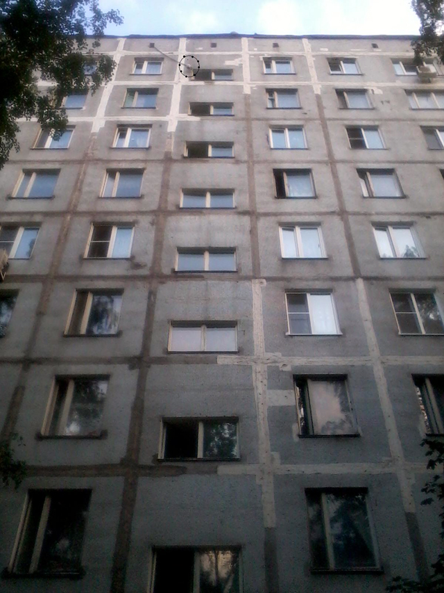 Фото 1 - вид от подъезда на высоту 9-го этажа .