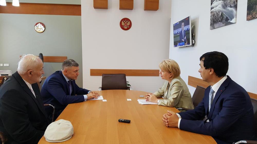Эмилия Слабунова приехала во Владикавказ поддержать список Яблока на выборах